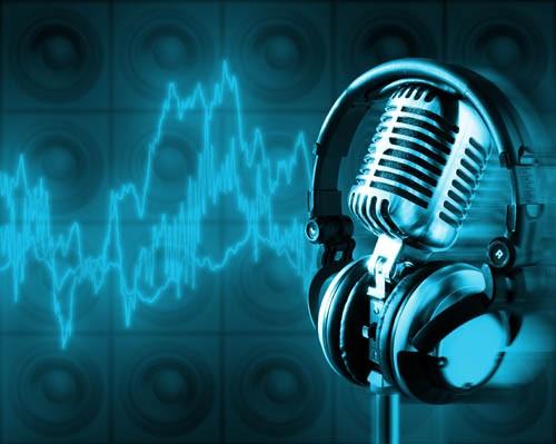 ... (bài hát được nhiều người yêu thích)!? Đó là câu hỏi, đồng thời cũng là  sự bức xúc khi đề cập tới sự phát triển lành mạnh của âm nhạc nước nhà.