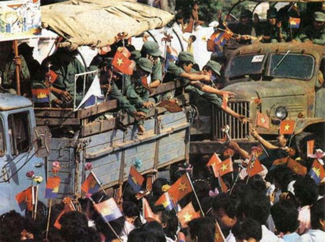 Việt Nam có sai lầm khi tiến quân vào Campuchia hay không? (Kỳ 1)