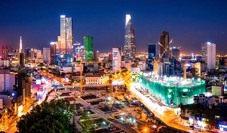 Dưới sự lãnh đạo của Đảng Cộng sản Việt Nam, đất nước đã đạt được những thành tựu to lớn, có ý nghĩa lịch sử, vị thế và uy tín quốc tế của Việt Nam ngày càng được nâng cao. Ảnh: Đông Giang